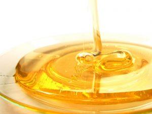 mierea-de-albine-beneficii-pentru-ten